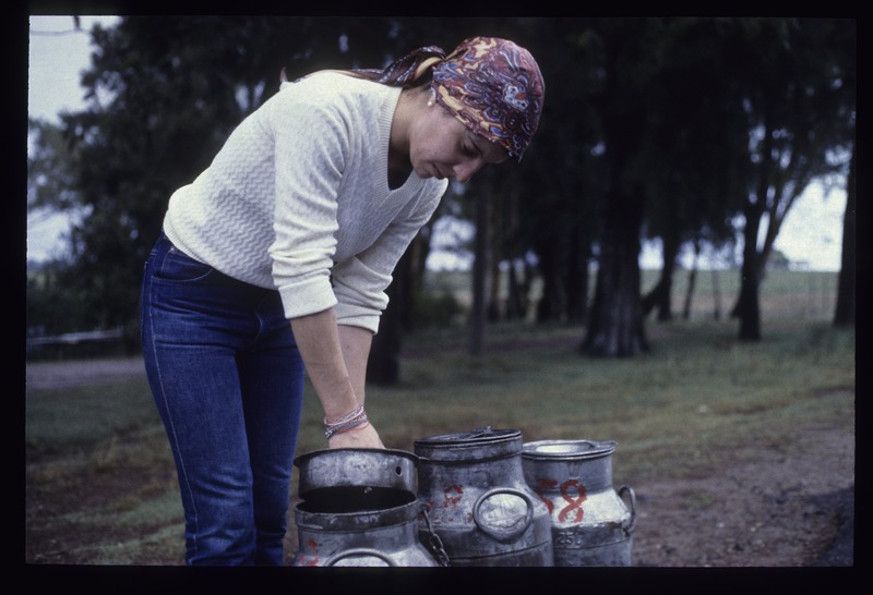 7_G.Sapriza_mujer rural en produccion lactea-0.jpg